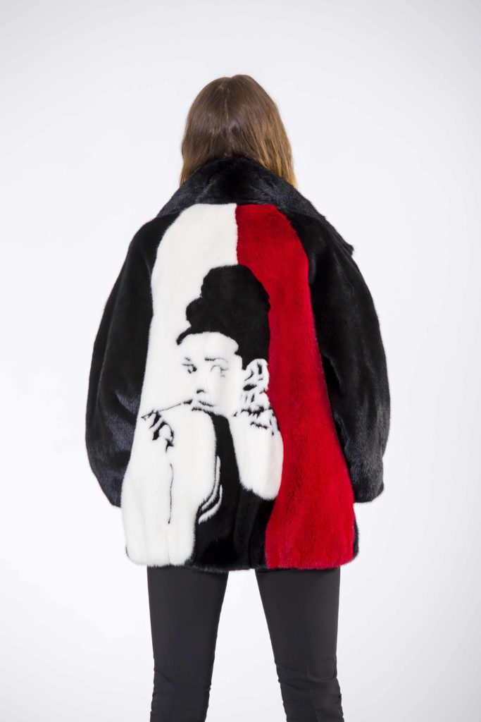 pelliccia intarsiata con l'icona di Audrey