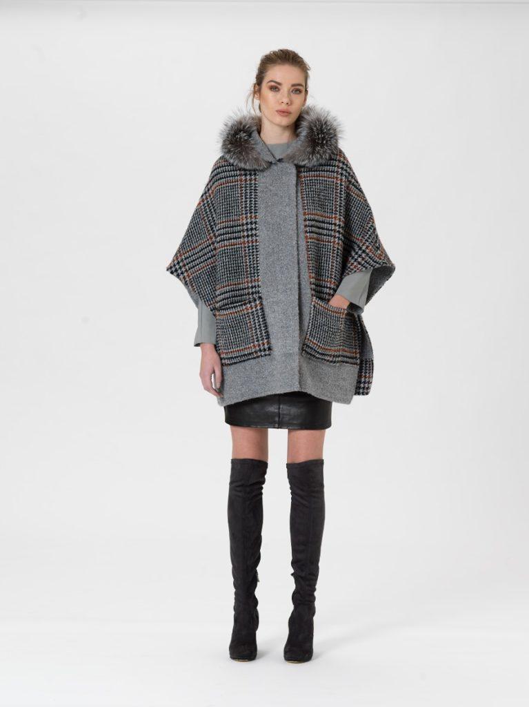 mantella di lana  e cashmere con volpe