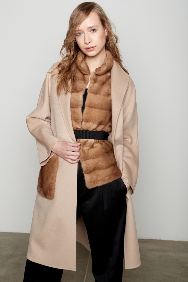 cappotto in cashmere Loro Piana con tasche e gilet in visone